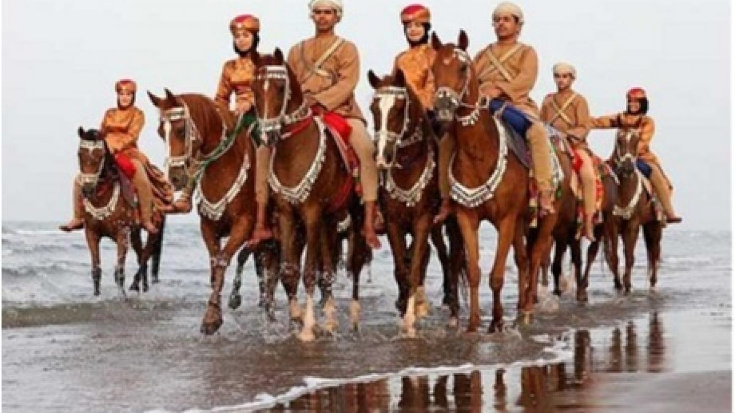 Omani Royal Cavalry stars of Queen's birthday show